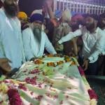 9 Nanaksar kaleran baba Harbhajan singh dead body recived by Baba Harnam singh Khalsa1.resized
