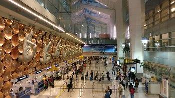 1920px-Sculpture_of_hasta_mudras_at_Indira_Gandhi_International_Airport.resized