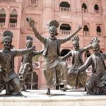 800px-Statue_of_Bhangra_in_Amritsar_26_September_2018.resized