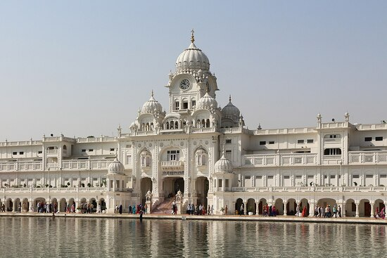 1280px-Atta_Mandi_Deori,_Amritsar_02.resized