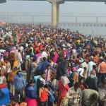 1280px-Kumbh_Mela_2019_-_Crowd_Near_Shastri_Bridge_-_Prayagraj,_India.resized