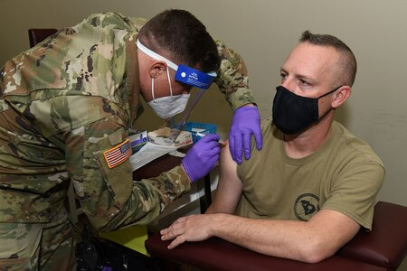 1920px-South_Carolina_National_Guard_administers_its_first_Moderna_COVID-19_vaccinations_(50752619036).resized