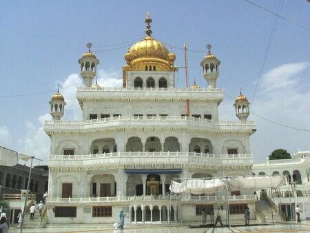 1280px-Akal_takhat_amritsar.resized.resized