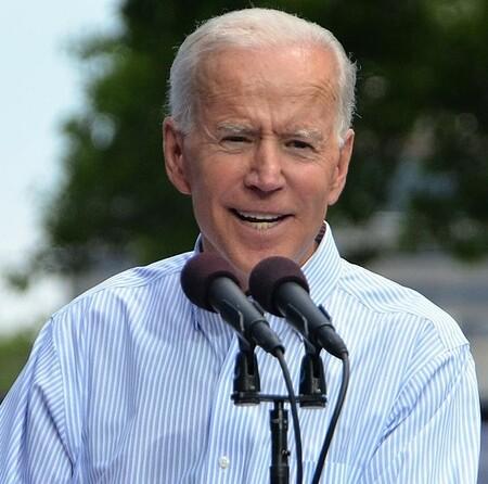 1024px-Joe_Biden_kickoff_rally_May_2019.resized