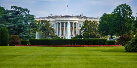 white_house_grounds.resized